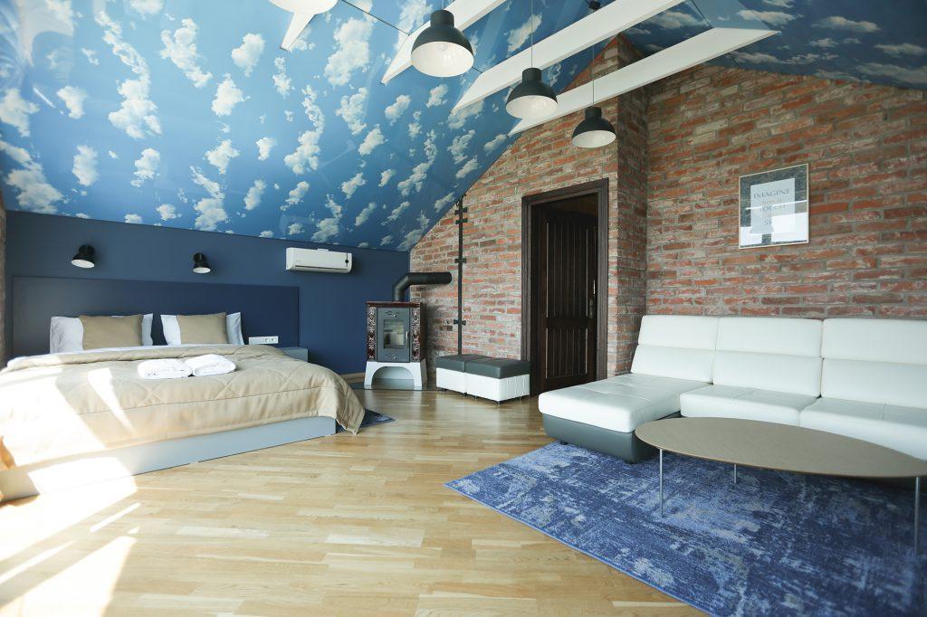 """""""Lavender Inn"""" Erdvus kambarys """"Sky"""" su vaizdu į vandens tvenkinį"""